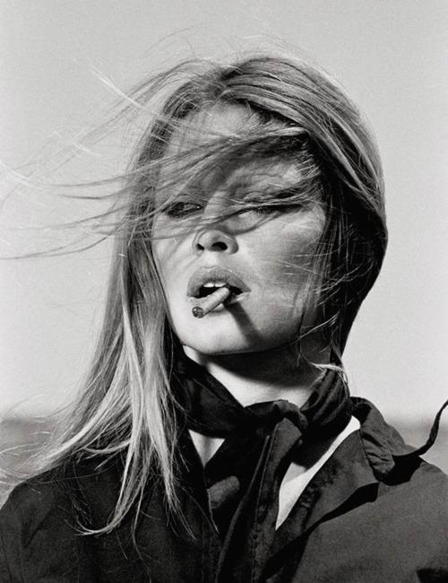 Brigitte-Bardot-Smoking-in-Spain-by-Terry-ONeil-2